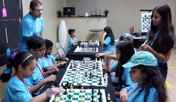 Kids Learn Chess Online Group Classes